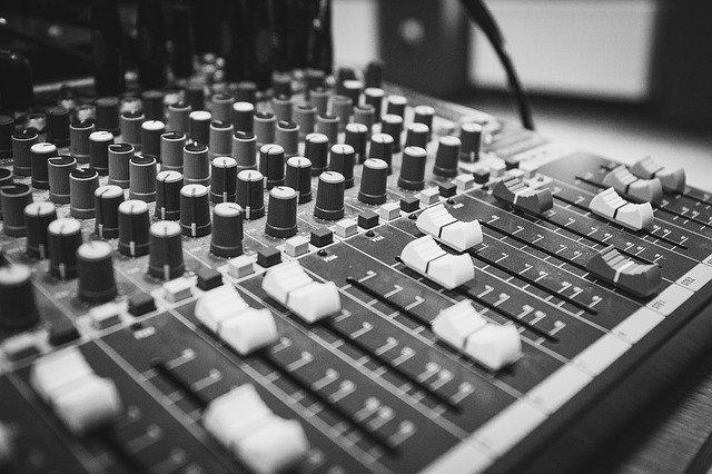ovládání hudby