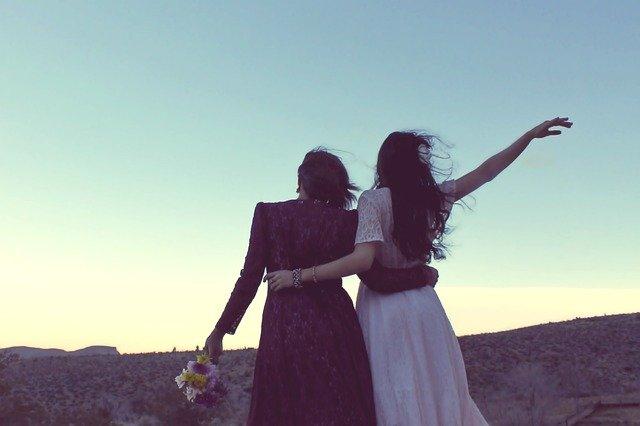 přítelkyně a západ slunce