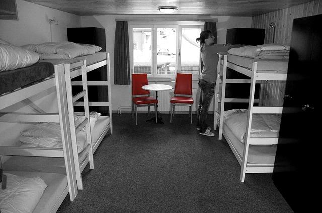 postele na ubytovně