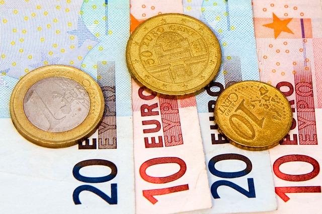 euro bankovky, tři zlaté centy