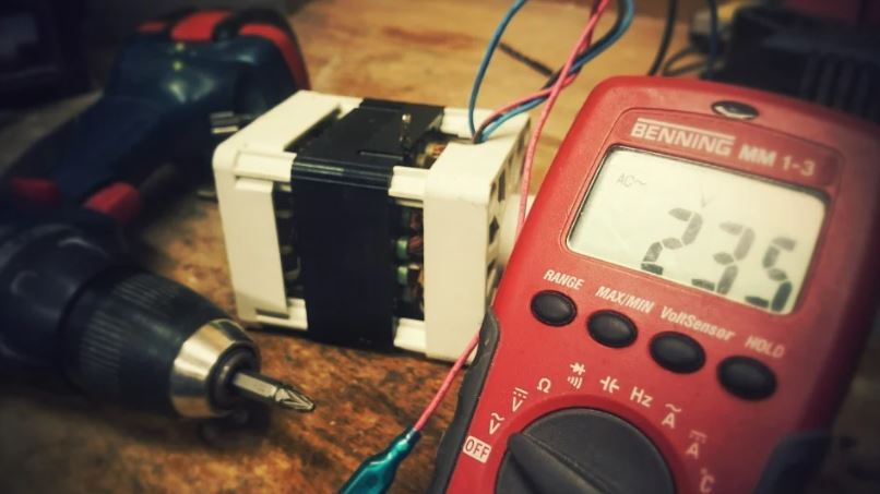 měřicí přístroj a nářadí