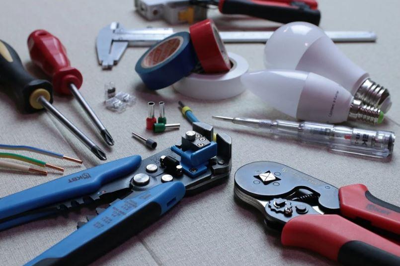 nářadí elektrikáře
